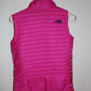 Neon Pink North Face Vest | Size XS💖
